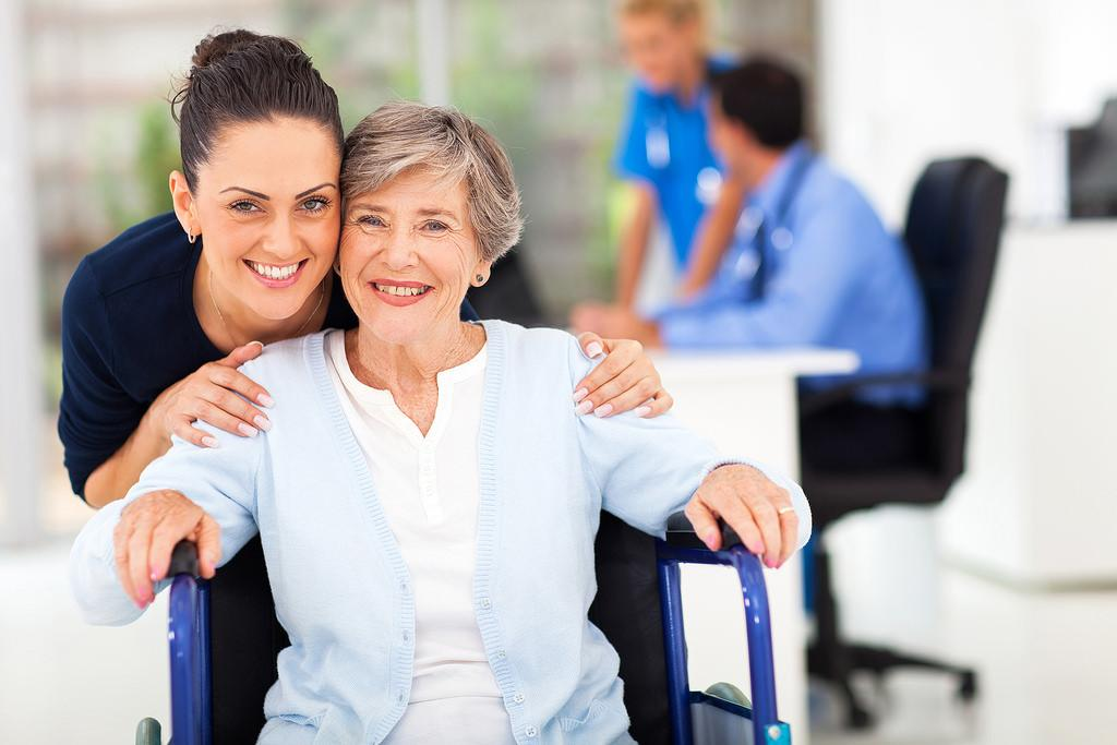 inhome-physical-therapists-helping-parkinson's-patient